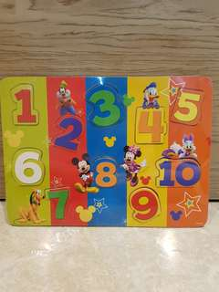 4-in-1 Disney Theme Puzzle Set! Comes with a wooden case carrier