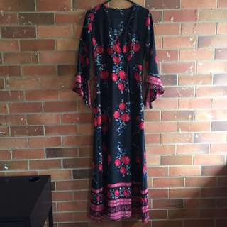 Beautiful Witchy Rose Maxi Dress