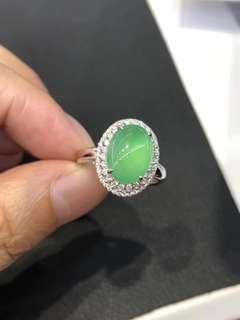 18k鑽石天然A貨綠蛋戒指