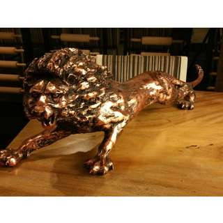 Lion  Bronze statue