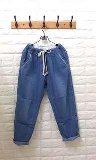 🚚 薄單寧牛仔褲
