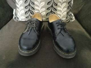 Used Original Dr Martens 3 eye MIT
