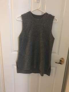 NEW grey sleeveless knit szL