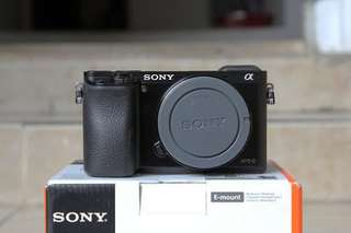 Bisa Kredit Camera Sony A6000 Body Only + SEL 35mm f1.8 Black Or Silver