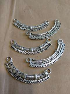 Costume jewelry part