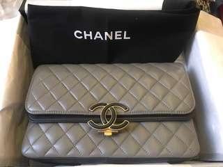 剛從歐洲到,新出未夠一個月Chanel bag