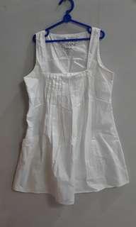 Baju summer lengan buntung putih