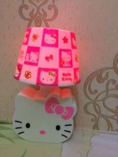 Lampu tidur HK