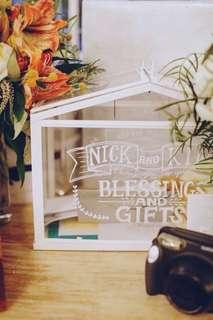 [Rental] White glasshouse decor/angbao box