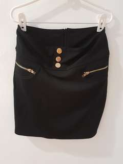 Black skirt with gold details