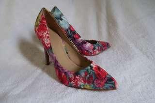 Parisian Floral Shoes size 7