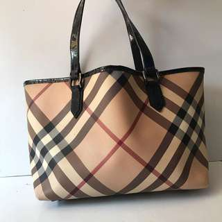 Burberry tote authentic  Idr 1.9jt NET