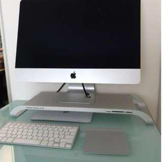 iMac (21.5-inch, Late 2013, 1080, 1TB), with iMac keyboard, trackpad (no monitor stand)