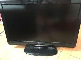 Sharp LCD 32 寸TV(沒有高清天缐接收)