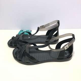 🚚 Zaxy 香香鞋 巴西尺寸37,38(編織款踝繫帶 羅馬果凍防水平底鞋-黑色)