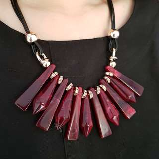 Maroon Necklace #01