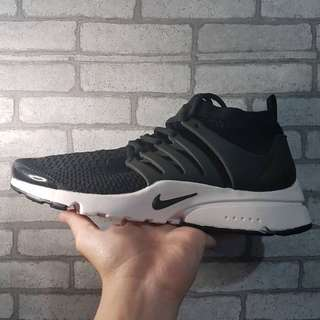 Nike Air Presto Black & White