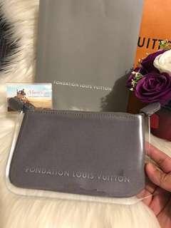 Fondation Louis Vuitton Pouch