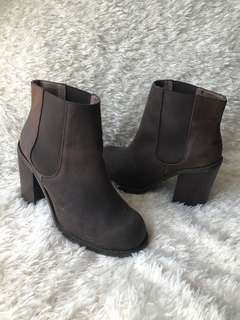 Jeffrey Campbell Cash Boots 8.5 Chocolate Brown Genuine Leather Chelsea Ankle Booties Block Heel with Original Unicorn Box