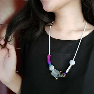 Edgy Holographic Necklace #01