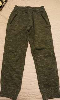 🚚 二手-UNIQLO男童褲子-M碼 深灰色褲子