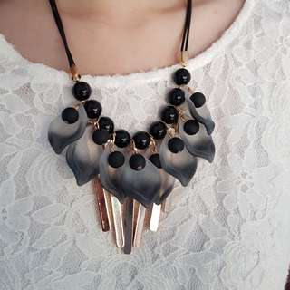 Black & Gold Statement Necklace #01