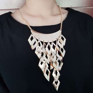 Gold Statement Necklace #01