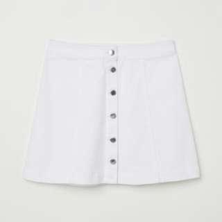 🚚 H&M 排扣A字裙(白)