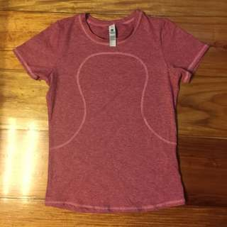 dark pink lululemon drifit shirt