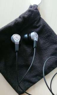 Near new B&O play earphone (Android phone version) with new ear plugs