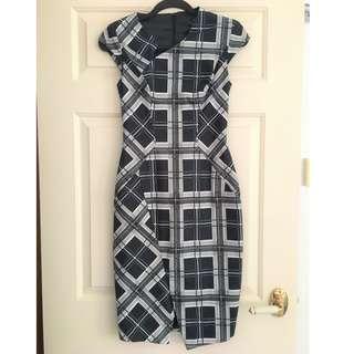 Cue Dress BNWT Size 6