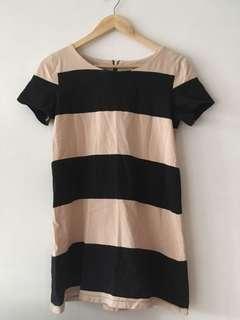 🚚 H&M 女款杏色黑色條紋中長版上衣