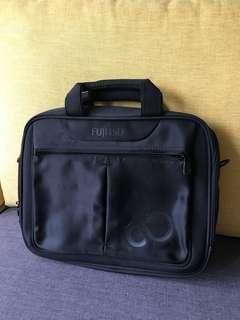 Fujitsu 14 寸電腦袋