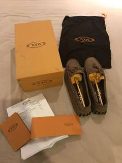 Tods Loafers Authentic in Suede Brown