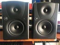 Mackie MR5 Active Studio Monitors