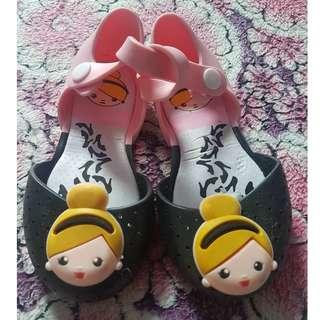 Mini Mel Cinderella