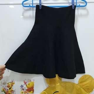 🚚 黑針織裙