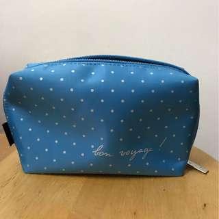 Agnes b 藍色萬用包