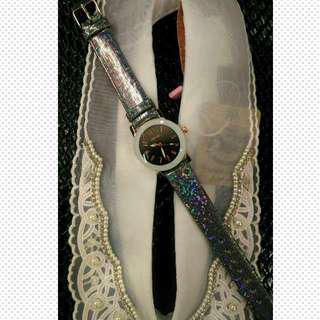 銀黑閃爍手錶