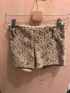 🚚 卡其蕾絲短褲