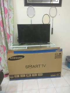 Samsung 32 & 40 smart tv...