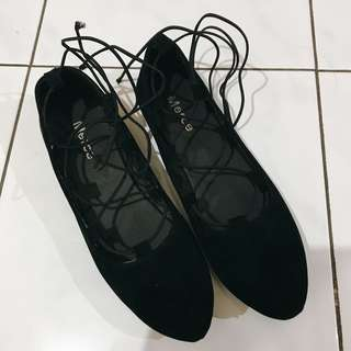 (NEW) Ballerina Ballet Flat Shoes — black velvet