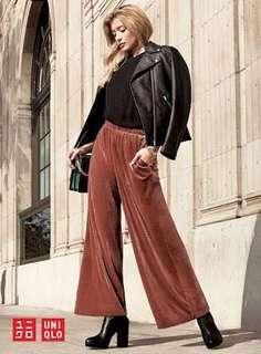 Uniqlo velour wide pants