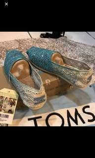 🚚 Toms正品漸層蕾絲休閒鞋(全新