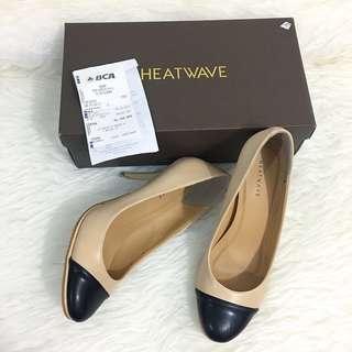 TwoTone Heels ( beige & black )