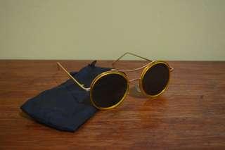 WWW Fashion Sunglass / Shades 1