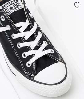 Low top converse black