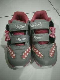 Sepatu anak disney minie mouse