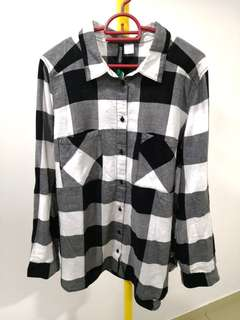 H&M - XL (Eu 42) Black white twin pockets checkered cotton button blouse