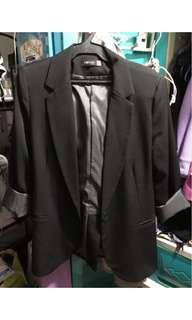 SM Woman black blazer